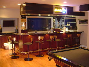 Finished Basement with Custom Bar in Bloomfield Hills, MI (2)